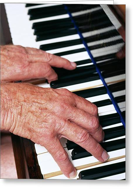 Piano Playing Greeting Card by Jerry Mason/science Photo Library