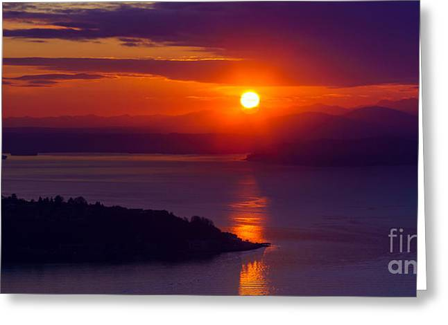 Seattle Fiery Sunset Greeting Card by Mike Reid