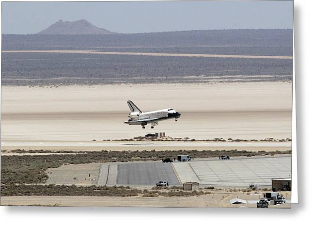 Space Shuttle Atlantis Landing Greeting Card by Science Source