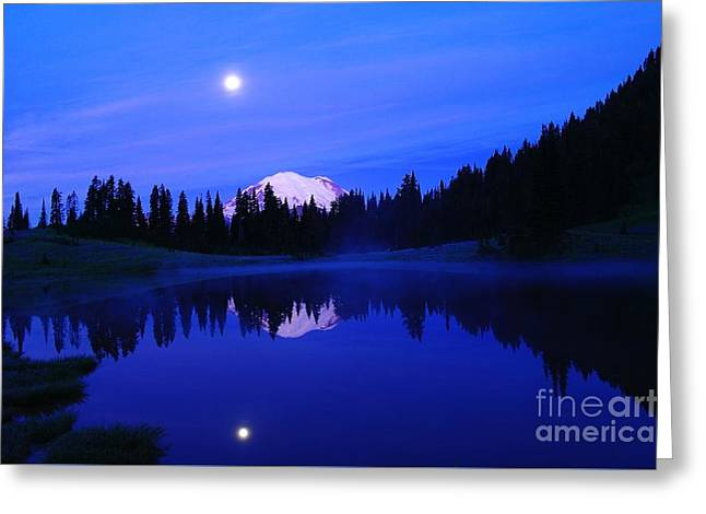 Tipsoe Lake In The Morn  Greeting Card by Jeff Swan