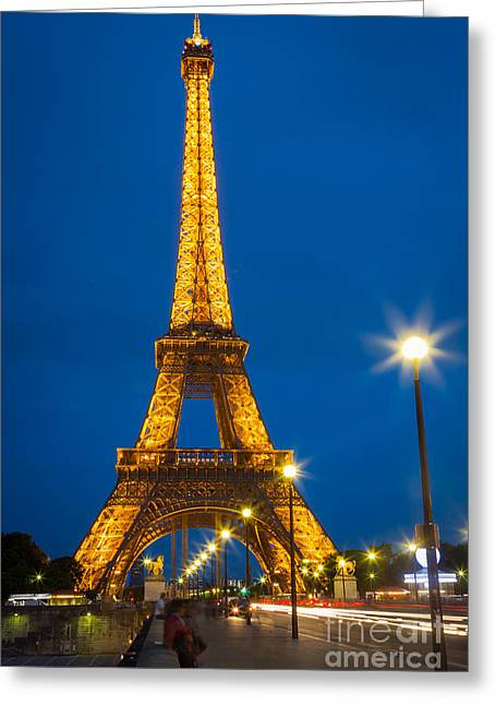 Tour Eiffel De Nuit Greeting Card by Inge Johnsson