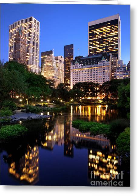 Twilight Nyc Greeting Card by Brian Jannsen