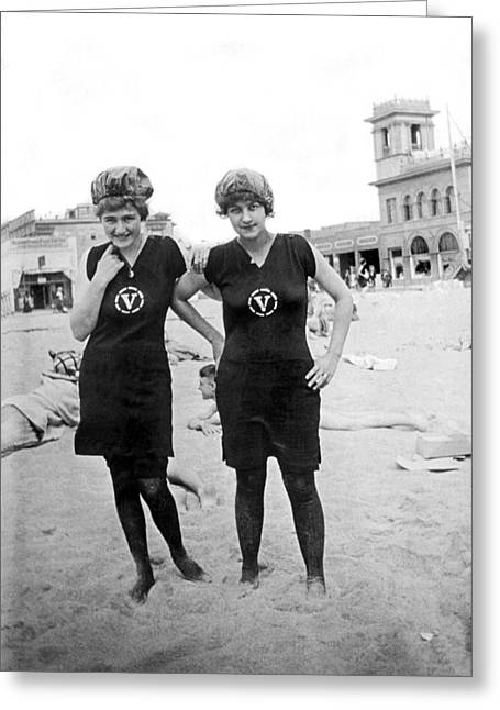 Two Girls At Venice Beach Greeting Card by Underwood Archives