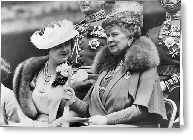 Two Queens Chatting Greeting Card by Underwood Archives