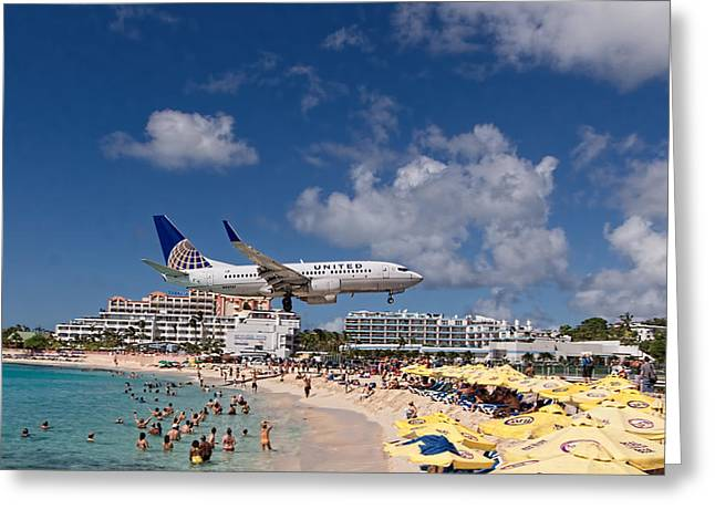 United Low Approach St Maarten Greeting Card by David Gleeson