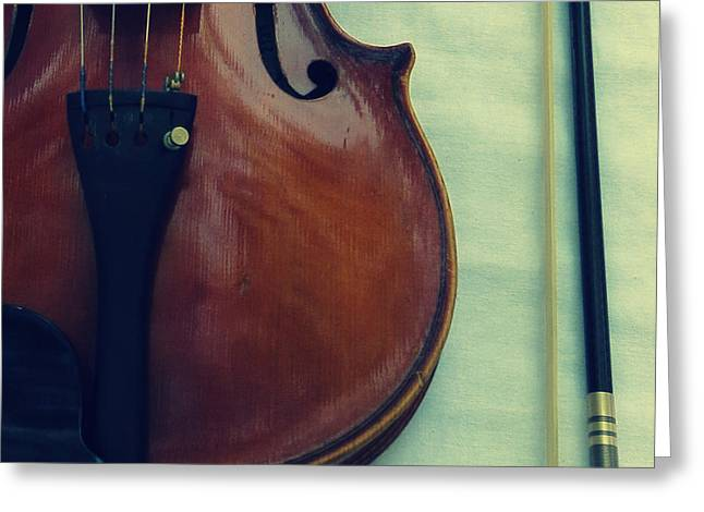 Violin And Bow Greeting Card by Patricia Januszkiewicz