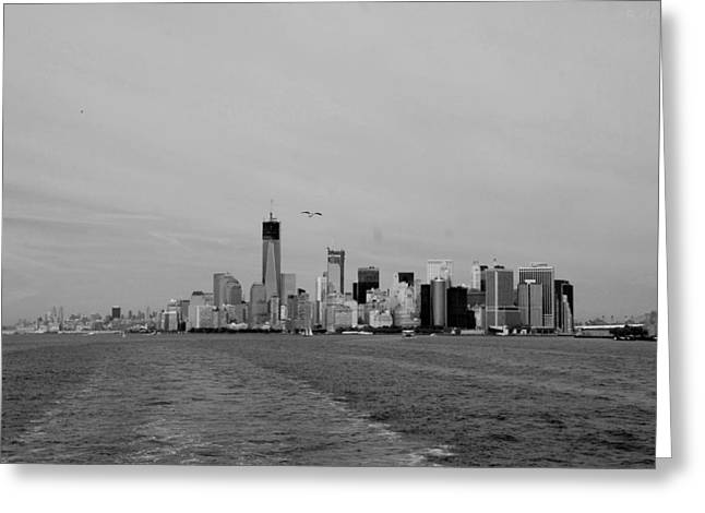 Wake In The Harbor In Black And White Greeting Card by Rob Hans