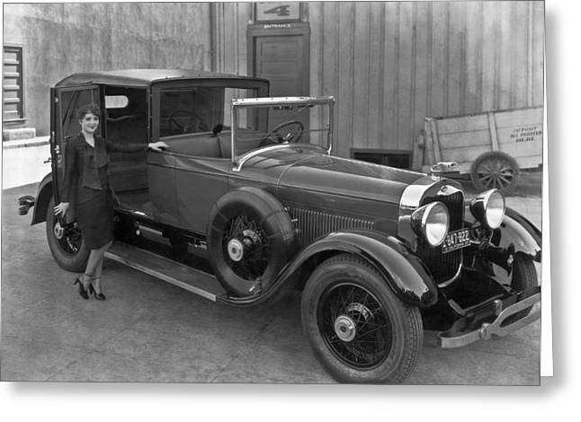 Woman With A 1927 Lincoln Greeting Card by Underwood Archives