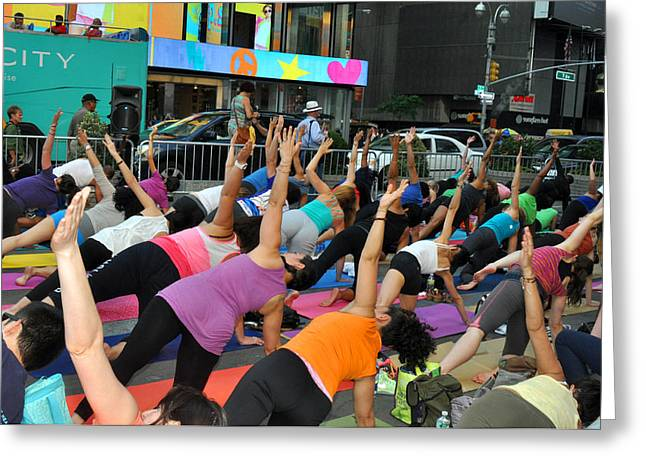 Yoga In Times Square Greeting Card by Diane Lent