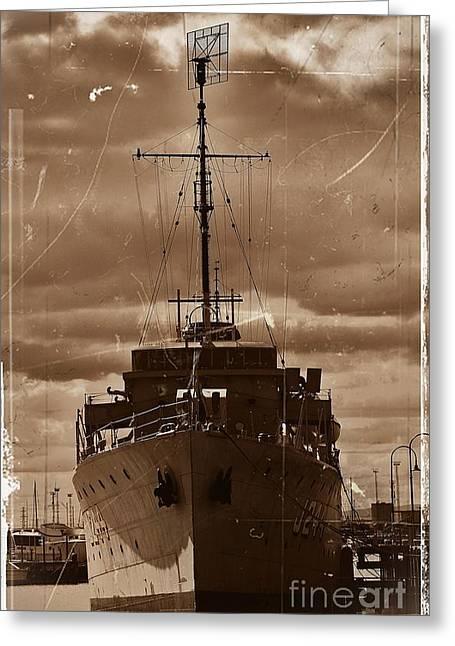 Greeting Card featuring the photograph Hmas Castlemaine by Blair Stuart