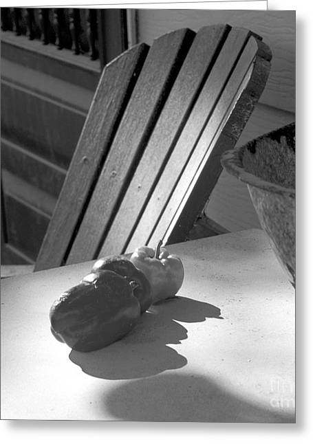 Peppers On The Stoop Greeting Card by Gordon Wood