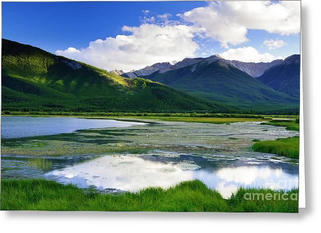 Vermillion Lakes Greeting Card by Ginevre Smith