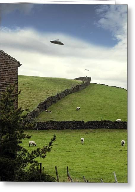Ufo Sighting Greeting Card by Richard Kail