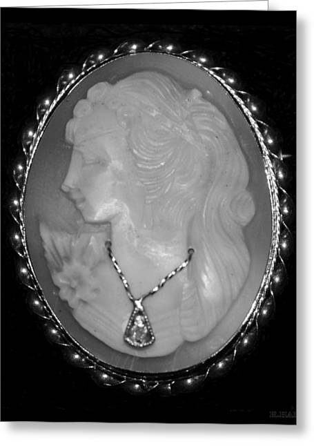 Cameo In Black And White Greeting Card by Rob Hans