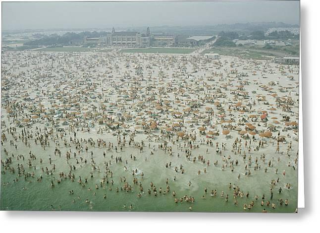 Crowds Of People At Jones Beach Greeting Card by Robert Sisson