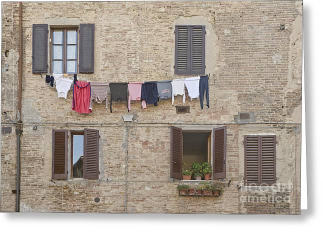 Laundry Out To Dry Greeting Card by Rob Tilley