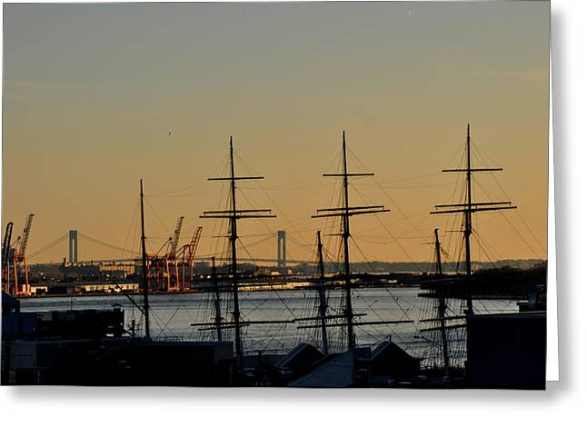 Light Before Sunset From The Brooklyn Bridge Greeting Card by Diane Lent
