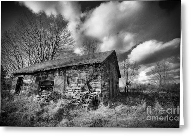 Old Dramatic Barn Hdr Greeting Card by Joe Gee
