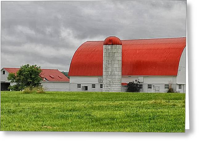 Red Roofed Barn Greeting Card by Brian Mollenkopf