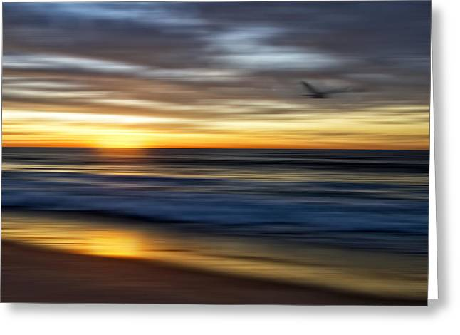 Sunrise Over The Ocean Greeting Card by Diane Metz