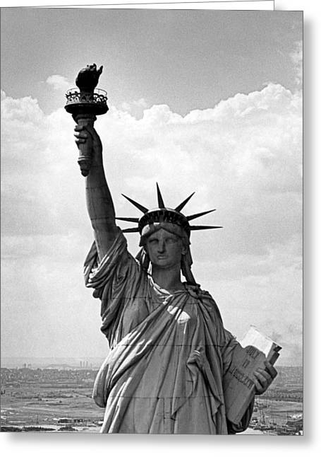 The Statue Of Liberty Greeting Card by Underwood Archives