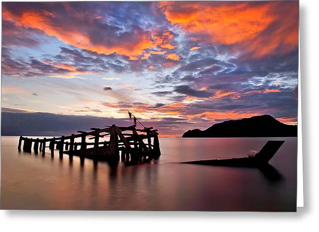 The Wreck In Sea With Fantastic Sky Greeting Card by Arthit Somsakul
