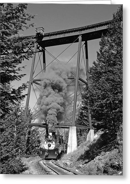 Under The Devils Gate Bridge Black And White Greeting Card by Ken Smith