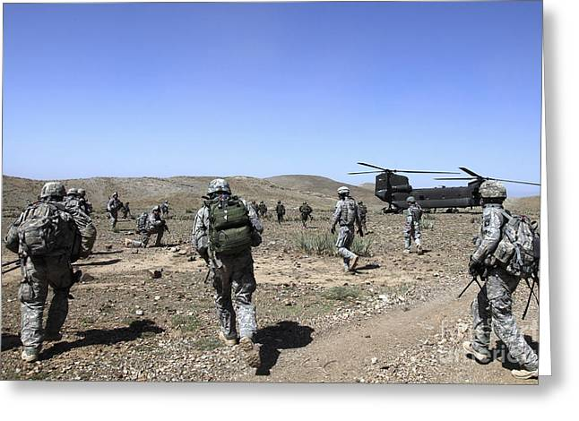 U.s. Army Soldiers Run Back Greeting Card by Stocktrek Images