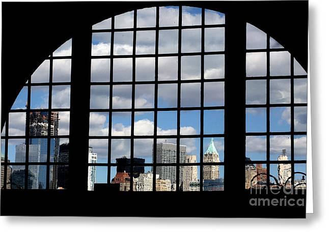 View Of Manhattan Greeting Card by Leslie Leda