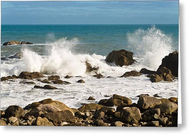 Waves Greeting Card by Graeme Knox