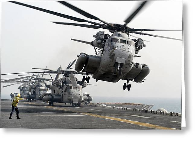 Rotorcraft Photographs Greeting Cards - A Ch-53e Super Stallion Lifts Greeting Card by Stocktrek Images