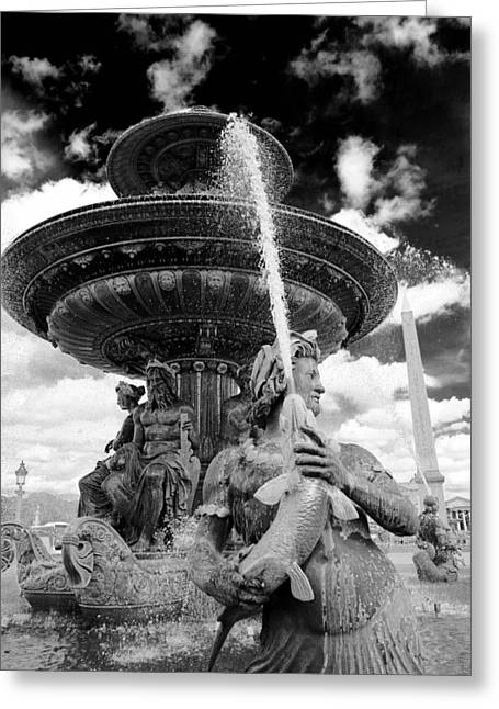 Greeting Card featuring the photograph Place De La Concorde Fountain by Heidi Hermes
