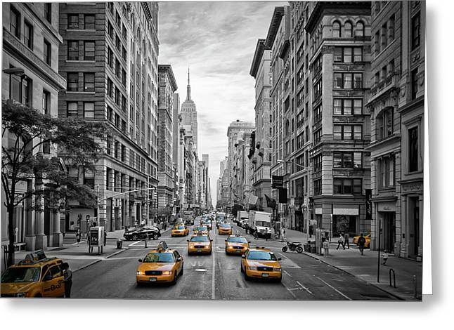 5th Avenue Nyc Traffic Greeting Card by Melanie Viola