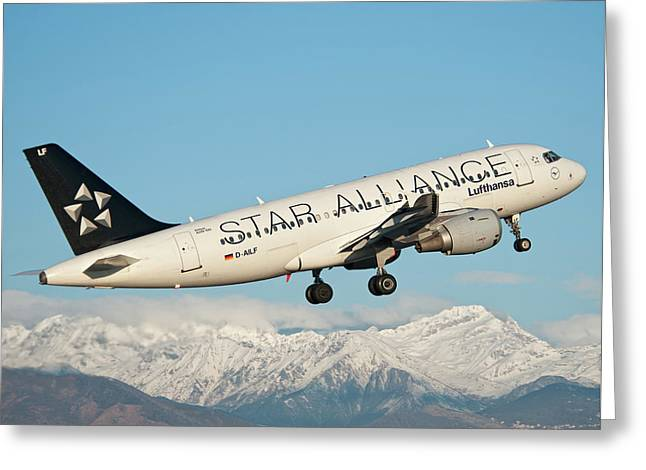 Airbus A319 Lufthansa With Star Alliance Livery Greeting Card by Roberto Chiartano
