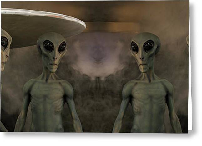 Aliens And Ufo 7 Greeting Card