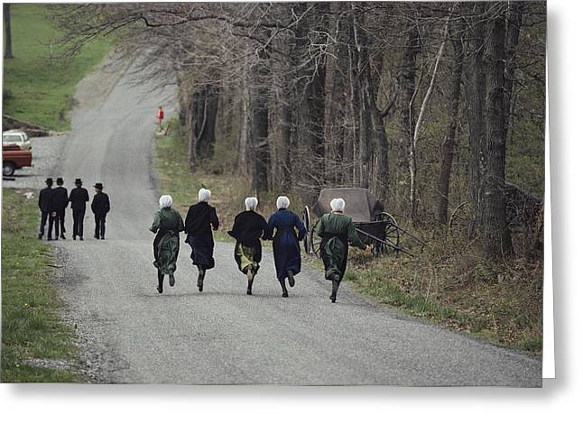 Middle Atlantic States Greeting Cards - Amish People Visiting Middle Creek Greeting Card by Ira Block