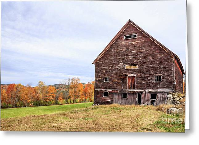 An Old Wooden Barn In Vermont. Greeting Card by Edward Fielding