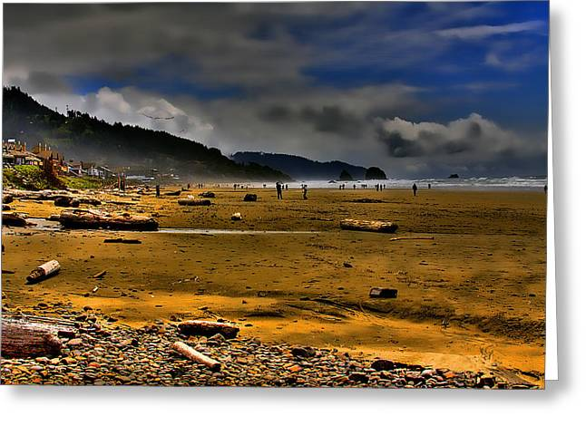 Beach Walkers Greeting Card by David Patterson
