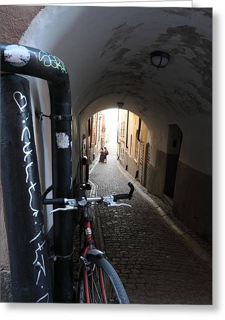 Bicycle And Couple In An Alley Greeting Card by Ulrich Kunst And Bettina Scheidulin