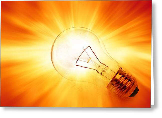 Bright Idea Greeting Card by Les Cunliffe