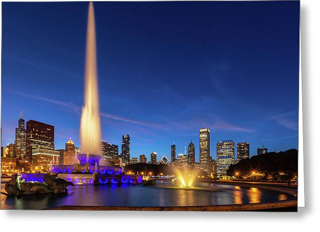 Buckingham Fountain At Dusk Greeting Card