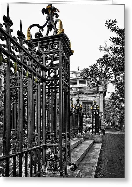 Buckingham Gates Greeting Card by Diana Powell