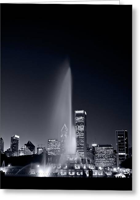 Chicagos Buckingham Fountain Bl And W Portrait Greeting Card