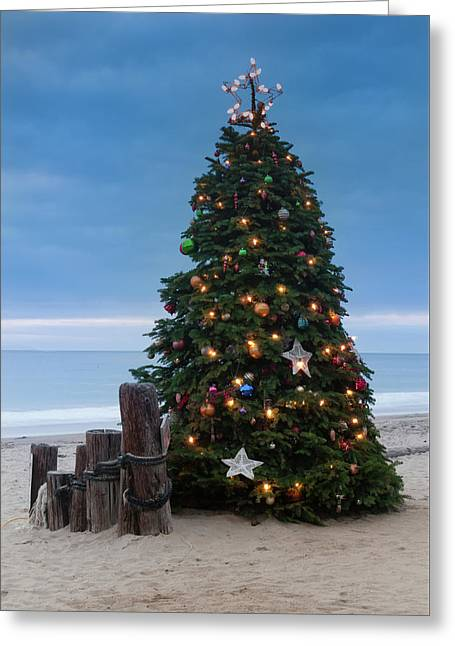 Christmas At The Beach Greeting Card by Ralph Vazquez