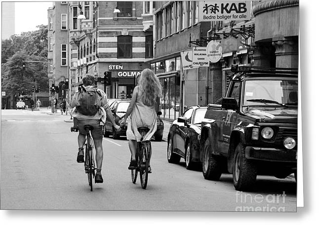 Copenhagen Lovers On Bicycles Bw Greeting Card by Catherine Sherman