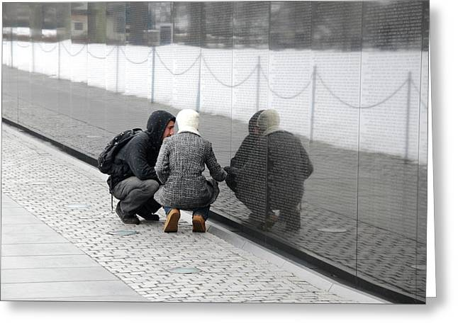 Couple At Vietnam Wall Greeting Card