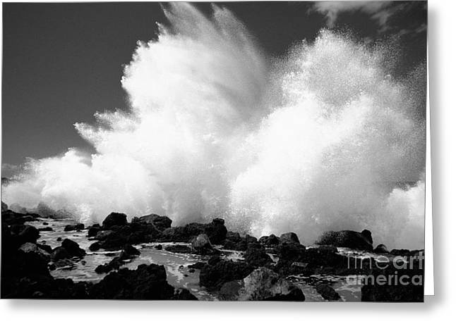 Crashing Wave - Bw Greeting Card by Dana Edmunds - Printscapes