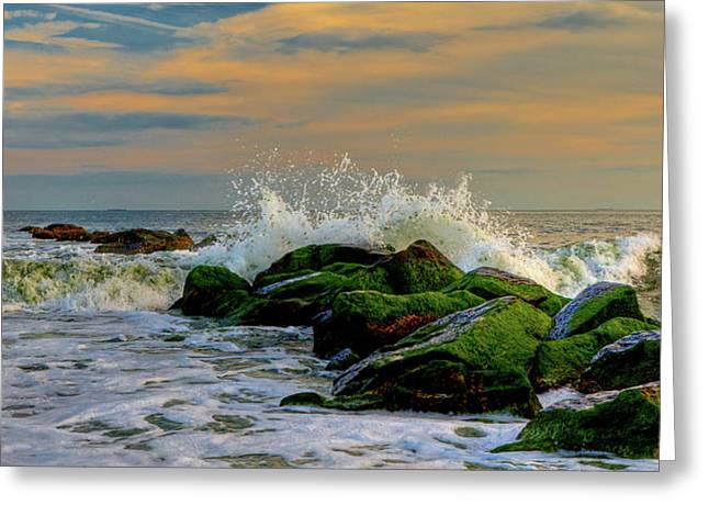 Crashing Waves Greeting Card by David Hahn