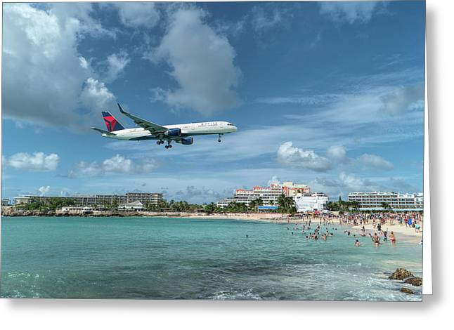 Delta 757 Landing At St. Maarten Greeting Card