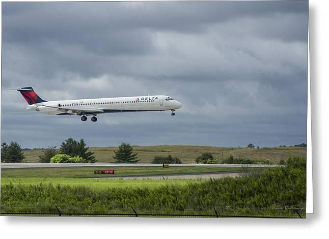 Delta Airlines Boeing 717 N952dl Hartsfield-jackson Atlanta International Airport Greeting Card